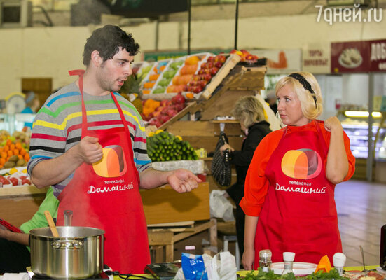 Когда настало время приступить к ризотто с тыквой, салями и сыром чечил, Марк вызвал к себе новую помощницу Ирину