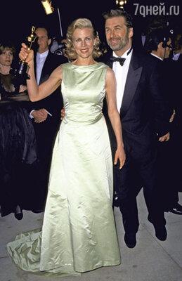На этой церемонии Ким получила «Оскар» за роль в фильме «Секреты Лос-Анджелеса» (март 1998 г.). Алек же так и не удостоился подобной чести