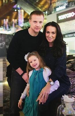 Вячеслав Малафеев с супругой и дочерью