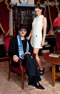 Узнав, что дочь хочет стать актрисой, Михаил Боярский отреагировал жестко: «Этапрофессия несчастных людей, успеха добиваются единицы изсотни. У тебя есть все шансы пополнить ряды безработных актеров»