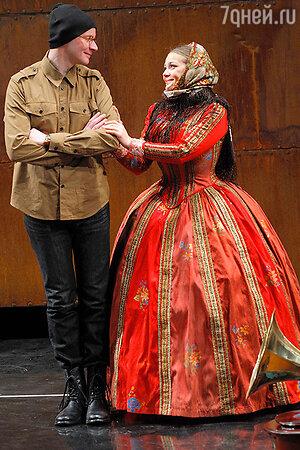 Ирина Пегова в спектакле «Таланты и поклонники»