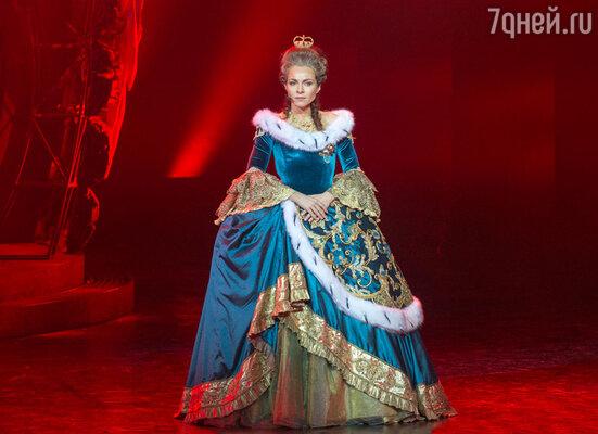 Настоящие овации вызвала ария императрицы «Бог дал мне власть» в исполнении Екатерины Гусевой