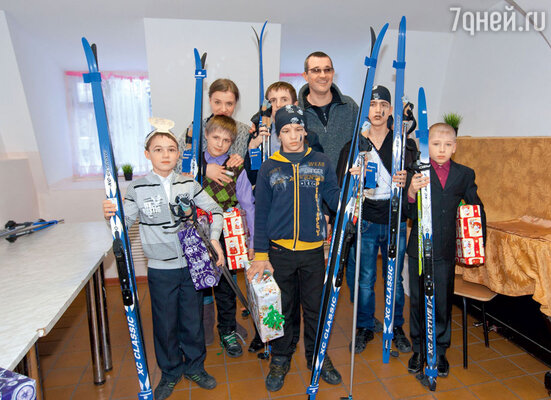 Многие из этих мальчишек из Омофоровского коррекционного интерната видели лыжи только потелевизору