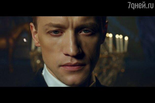 Денис Матвиенко  в клипе «Immortal feeling»