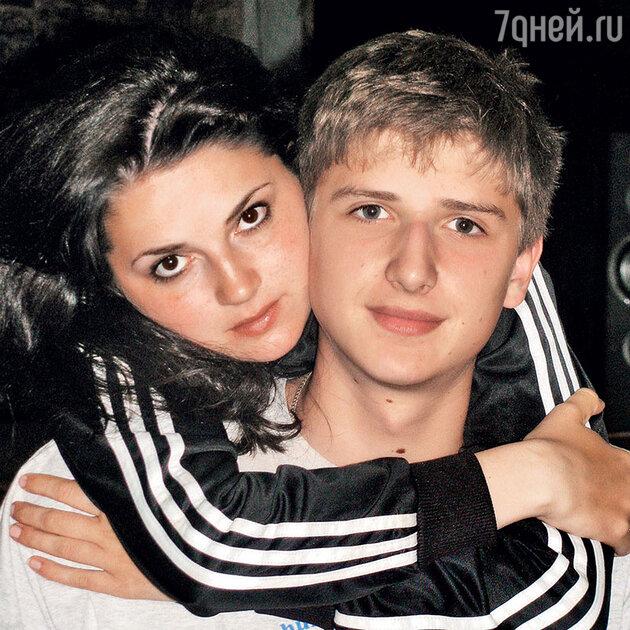 Дети Ксении Румянцевой Саша и Никита
