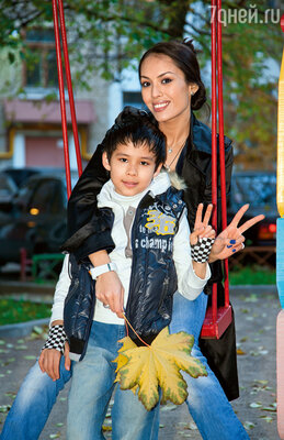 У Талгата талантливые дети. Сын Саид сыграл главную роль в ремейке картины «Человек-амфибия», а дочь Линда известна зрителям по многим сериалам. С сыном Альрами