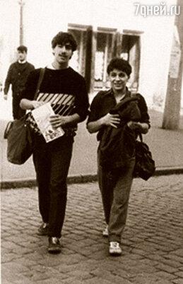 Мы с Лешей Барацем прогуливаем уроки, 1988 г.