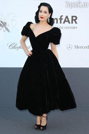 Дита фон Тиз в платье от Ulyana Sergeenko