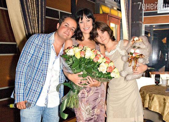 С мужем Александром Нестеровым и дочкой Анастасией