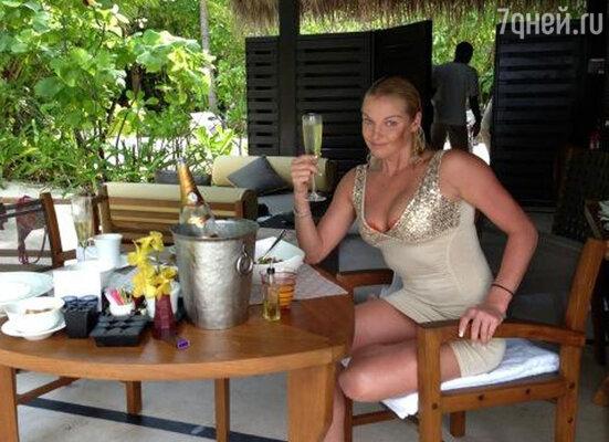 «Шампанское за завтраком могу позволить себе только на отдыхе... Это кайф», — призналась балерина