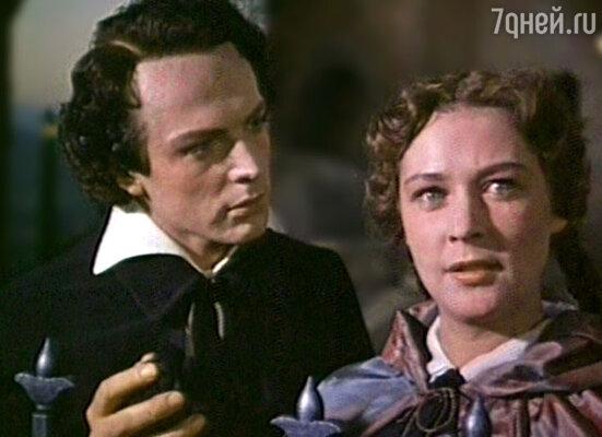 Бабушка, тогда Марианна Бебутова, и дедушка, Олег Стриженов, познакомились на съемках фильма «Овод»