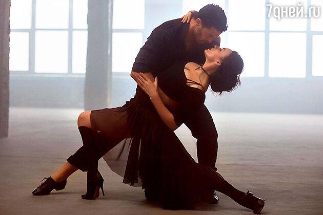 Надежда Грановская с танцором Мауро на съемках клипа