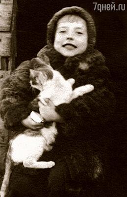 У нас жил пятицветный котенок, которого звали Счастье