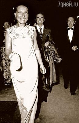 Подметил меня Глеб, открыл меня Глеб, почувствовал меня Глеб и первую главную роль дал мне тоже Глеб. (На международном кинофестивале в Венеции, 1983 г.)
