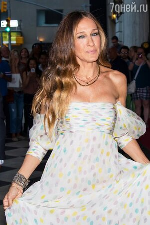 Сара Джессика Паркер в платье от Schivarelli