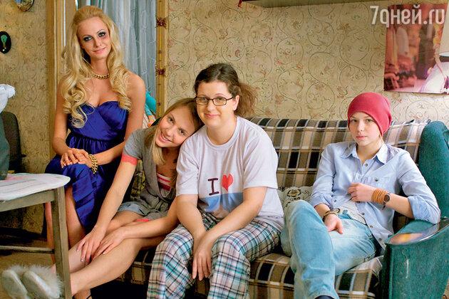 Анастасия Денисова в сериале «Деффчонки»