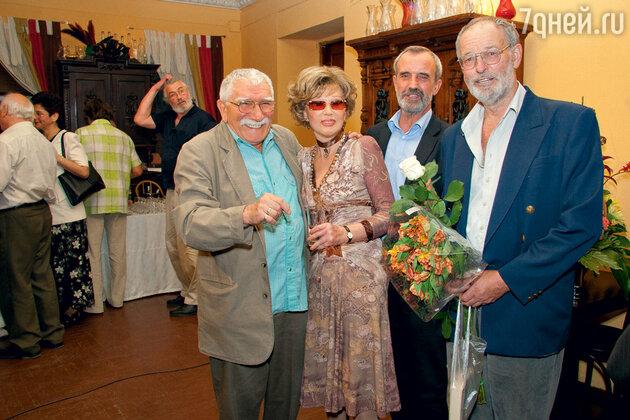 Армен Джигарханян с Людмилой Гурченко, Римасом Туминасом и Регимантасом Адомайтисом. 2006 г.