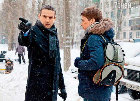 Илье Шакунову досталась роль отца главного героя, школьника Глеба, которого сыграл АртемКрылов