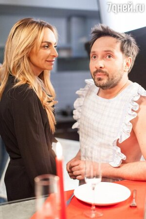 Екатерина Варнава и Даниил Белых на съемках комедии «Молодой дедушка»