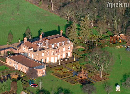 Английский особняк Бекхэмов «Бекхэмгемский дворец»