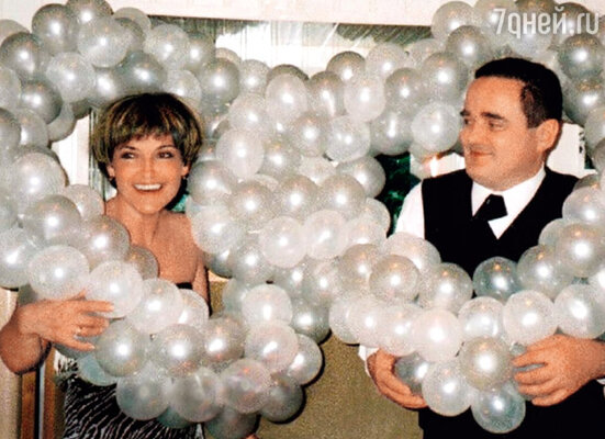 Родители — мама Татьяна Викторовна и отец Владимир Юрьевич на серебряной свадьбе. 2005 г.