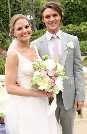 По сюжету сериала «Доктор Хаус» у докторов Эллисон Кэмерон и Роберта Чейза разворачивался роман, ведущий к свадьбе. Экранная свадьба состоялась, а в жизни Дженнифер Моррисон отказала Джесси Спенсеру и разбила его сердце
