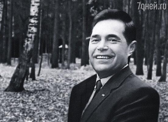 ...и его директор Юрий Соколов