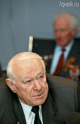 Первый заместитель председателя КГБ СССР, начальник 5-го Управления генерал армии Филипп Бобков