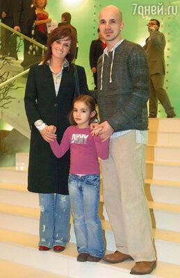 Егор Дружинин стал известным хореографом. С женой Вероникой и дочерью Сашей