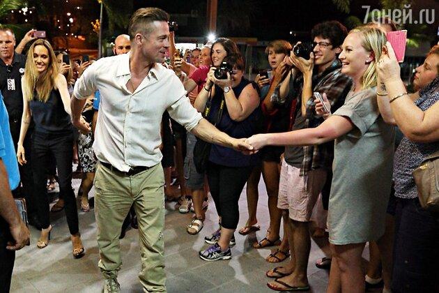 Анжелина Джоли и Брэд Питт устроили вечеринку, куда пригласили всю съемочную группу фильма «Несломленный»
