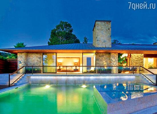 Дом мечты в Беверли-Хиллз, которым Энистон еще недавно так гордилась, теперь выставлен на продажу за 42 миллиона долларов