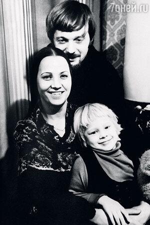 Олеся Рудакова с родителями