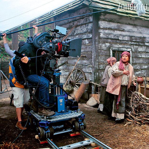 Нина Русланова на съемках фильма «Вий»