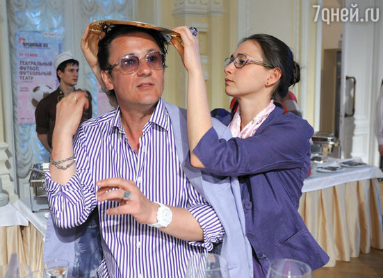 Олег Меньшиков с женой