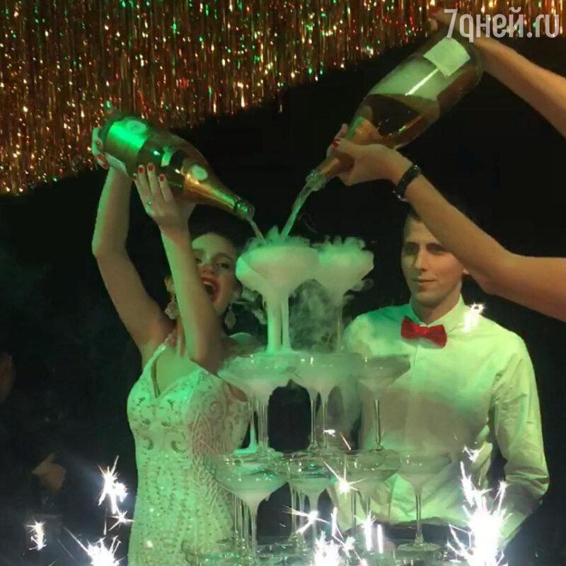 Эстрадная певица Слава организовала крутую вечеринку на18-летие дочери