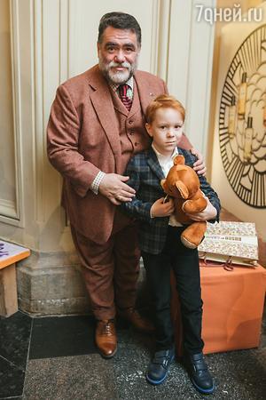 Михаил Куснирович с сыном Марком