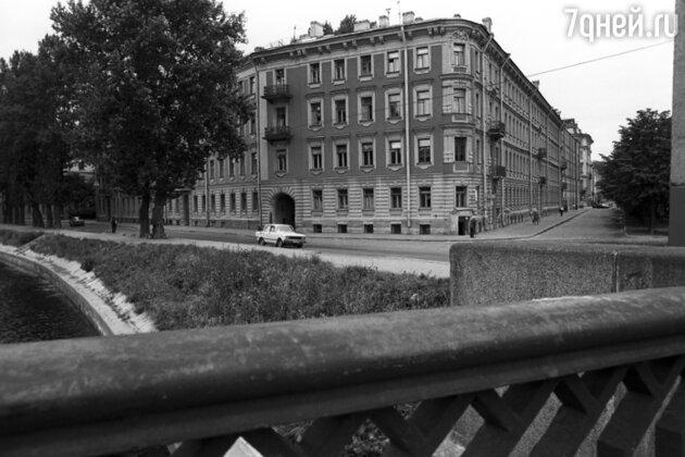 Дом в Санкт-Петербурге на проспекте Декабристов, в котором жил и работал поэт Александр Блок