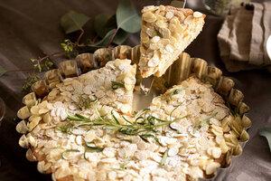 Сицилийский пирог с сыром, лимоном и тимьяном: рецепт от бренд-шефа Дмитрия Снурницина