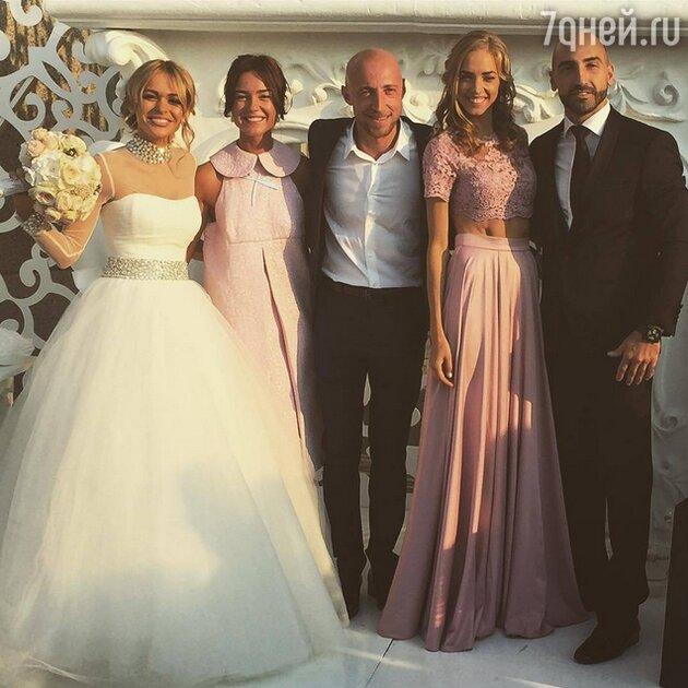 Анна Хилькевич с мужем Артуром, Надежда Сысоева и Серж Горелый