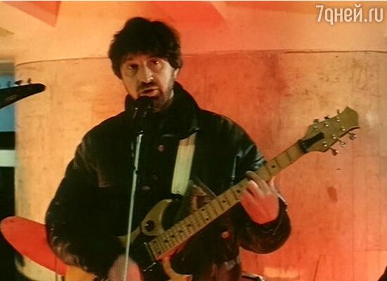 В роли Алика в фильме «Перекресток», 1989 год