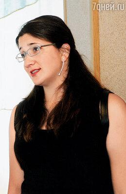 Старшая дочь Шабтая Лиат. По решению суда она является опекуном Дани  на территории Израиля