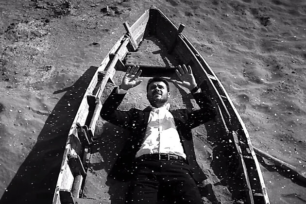 Эмин Агаларов в клипе на песню «Начистоту»