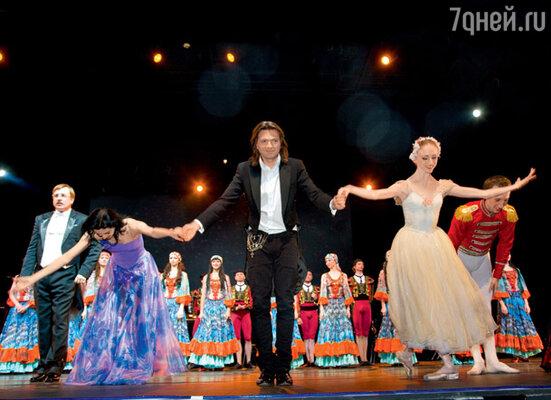 Артистов шоу Дмитрия Маликова «Symphonic Mania» зрители парижского Дворца конгрессов не раз вызывали «на бис»