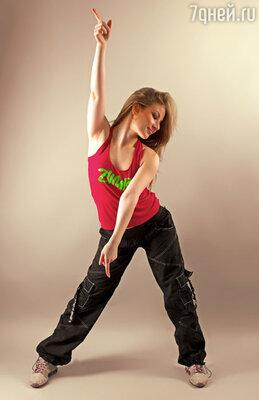 Зумба -  это танцевальный фитнес-класс в стиле латино с использованием движений латиноамериканского и других международных музыкальных стилей