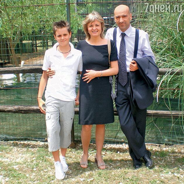 Ольга Шелковникова  с мужем и сыном