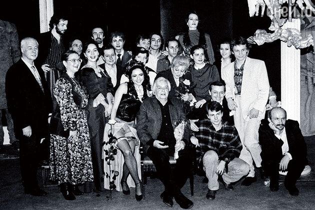 Курс Яна Пузыревского в Щукинском училище (четвертый в верхнем ряду)