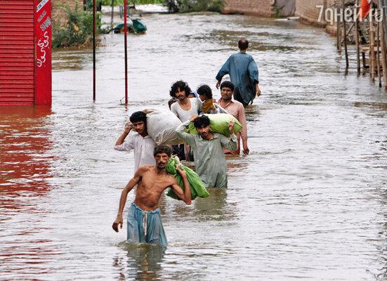 Наводнение в Пакистане и невиданная засуха в России — звенья одной цепи?