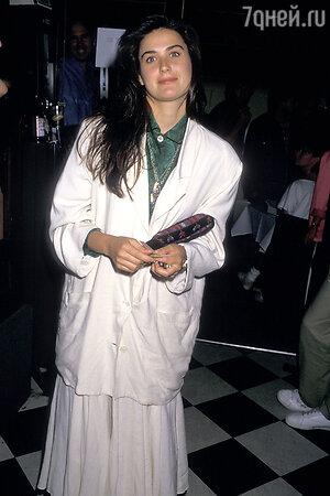 Деми Мур, 1987 год