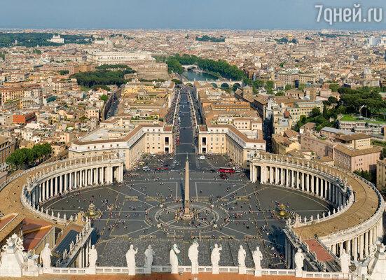 Звонницу, которую Бернини возвел возле собора Святого Петра, ломали почти год, и все это время длилась душевная мука зодчего. Площадь и собор Святого Петра, Ватикан