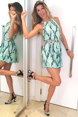 Жизель Бундхен в платье от Louis Vuitton
